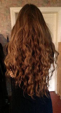 Put your hair photos here 'cos you really want to…. – Page 644 Put your hair photos here 'cos you really want to…. – Page 644 – Farbige Haare Long Brown Hair, Very Long Hair, Long Curly Hair, Curly Hair Styles, Natural Hair Styles, Dark Hair, Red Hair, Waist Length Hair, Long Face Hairstyles