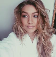 Here are the Gigi Hadid eyebrows! Now you know what I'm talking about. Haha! I am a funny girl. Lol.