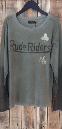 Rude Riders Motorcycle Fashion, Motorcycle Style, Vintage Outfits, Vintage Fashion, Shirt Ideas, Romantic, Sweatshirts, Tees, Sweaters