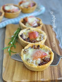 Quiche with Minced Meat. Mini quiche with minced meat Pie Recipes, Baked Potato, Quiche, Cooking Tips, Appetizers, Tarts, Meat, Breakfast, Ethnic Recipes