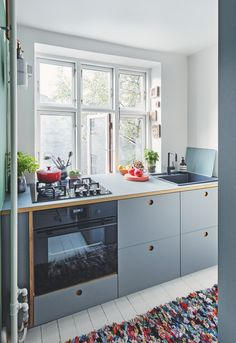 my scandinavian home: Embracing The Blues In The Fabulous Danish Home of Michael Schmidt Cheap Furniture, Kitchen Furniture, Kitchen Interior, New Kitchen, Furniture Stores, Furniture Outlet, Furniture Websites, Discount Furniture, Luxury Furniture