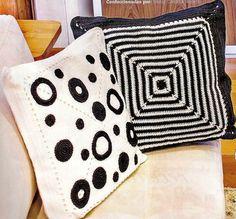salon kanepeleri için siyah beyaz örgü kırlent modelleri