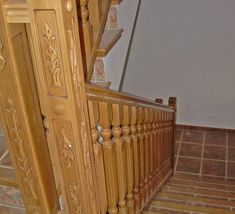barandillas-de-madera-torneada-A11 Wood Railings For Stairs, Stair Railing, Natural, Design, Wood Stair Railings, Wood Steel, Railings, Wooden Boards, Construction Materials