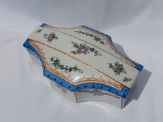 Old Porcelain Box Perlam the Sevres roses