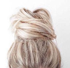 Hair hair styles hair color hair cuts hair color ideas for brunettes hair color ideas Hair Day, New Hair, Your Hair, Messy Hairstyles, Pretty Hairstyles, Latest Hairstyles, Hairstyle Ideas, Wedding Hairstyles, Scene Hairstyles