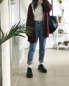 Fascinating Winter Outfits To Shop Immediately . - Fashion Week Fascinating Winter Outfits To Shop Immediately . Mode Outfits, Grunge Outfits, Cute Casual Outfits, Fall Outfits, Casual Korean Outfits, Summer Outfits Korean, Korean Outfits School, Hipster Outfits Winter, Korean Summer