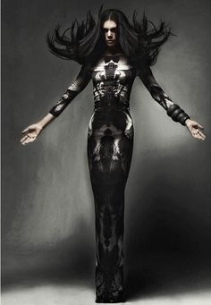 #Editorial I wish I knew where this was from! Great fashion photo. I don't recognise this dress, but it must be an #AlexanderMcQueen or at least inspired by his work.