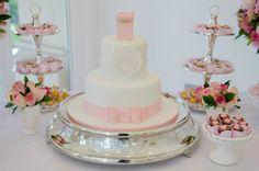 Decoração de Noivado branco e rosa bolo blog de noivas001