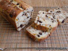 Pan de Chocolate, Kumquats y Almendras - Disfrutando de la comida