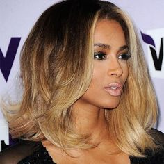 Окрашивание волос: шатуш, омбре и другие модные техники — Субботний Рамблер