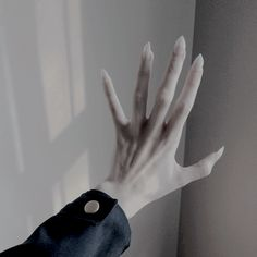 Sabretooth/Beast/Monster/Teen Wolf/Werewolf/Venom Claws - Comfortable and Easy to Apply! Hand Reference, Drawing Reference, Dark Fantasy, Vampires, Soirée Halloween, Monster Prom, My Character, Werewolf, Character Inspiration