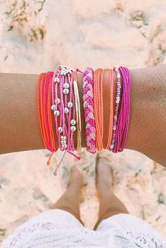 Beachy vibes + Pura Vida Bracelets