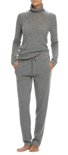 TSE Cashmere Sweat Pants - looks so cozy. How much of a raise does one need to justify 600 dollar cashmere sweats? Cashmere Sweaters, Cashmere Turtleneck, Cashmere Suit, Mode Inspiration, Pulls, Lounge Wear, Autumn Winter Fashion, Look, Sweatpants