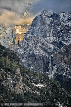 West End of Yosemite Valley seen from the 120 near Foresta, Yosemite National Park, California