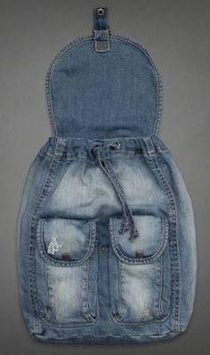 visuelles ergebnis von passo und passo artesanato com retalhos de jeans - Originelle Ideen Denim Backpack, Denim Purse, Mochila Jeans, Artisanats Denim, Blue Denim, Denim Shorts, Jean Diy, Jean Purses, Denim Handbags