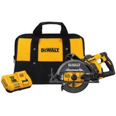Model Dewalt FLEXVOLT MAX in. Worm Drive Style Saw Kit. Onboard blade wrench storage for convenience when changing blades. Cordless Circular Saw, Worm Drive Circular Saw, Dewalt Tools, Saw Tool, Woodworking Kits, Woodworking Patterns, Woodworking Machinery, Woodworking Magazine, Gadgets And Gizmos