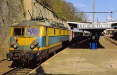 Sncb Train, Train Art, Belgium Train, Railroad Pictures, Old Trains, Ferrat, Locs, Evolution, Transportation