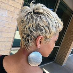 Blonde Pixie with Black Roots #shortblondepixie