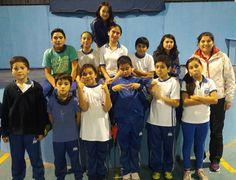 El atletismo es una buena forma de cultivar la salud física y emocional. En la foto el taller de Atletismo segundo ciclo del colegio Humanista de Chillán. #atletismo #HumanistaChillán #vidasaludable #tallerescdshumanista
