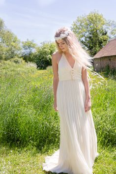 Belle and Bunty chiffon wedding gown #wedding #CardeApp