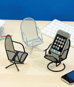 Set of 3 Chair Cell Phone Holders is going up for auction at Sat, May 4 wit… - Technology World Cell Phone Holder, Iphone Phone Cases, Phone Covers, Phone Accesories, Cell Phone Accessories, Accessories Store, Batterie Portable, Diy Phone Stand, Support Telephone