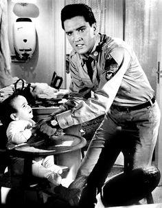 Love Me Tender - Elvis Presley King Elvis Presley, Graceland Elvis, Elvis Presley Movies, Elvis Presley Pictures, John Lennon Beatles, Chuck Berry, Documentary Film, Old Movies, Music Artists