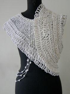 KYOKO NAGASAWA, #Textile designer. Creazioni speciali per Zegna Baruffa, a #PittiFilati.  Il filo utilizzato è il filo VENERE (100% LINO) di Chiavazza    http://www.ko-na-design.com/en