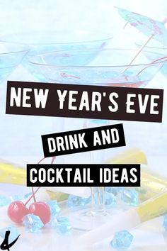 Need some fun New Year's Eve drinks and cocktail ideas? Check out these 20 recipes perfect for a fun night in! New Years Eve Drinks, New Year's Drinks, Party Drinks, Yummy Drinks, Alcoholic Drinks, Beverages, Cocktail Ideas, Cocktail Recipes, Cool Mom Style