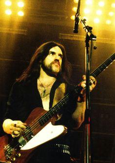 "themotorbastard: "" a rare occasion of Lemmy playing Gibson Thunderbird. """