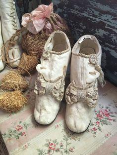 Superbe ancien mi cuir blanc bottes ruban noeud par BellaBordello