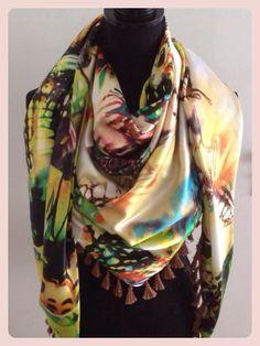 Satijnen sjaal vlinder