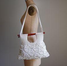 vintage 1970's macrame purse / crochet macrame boho bag