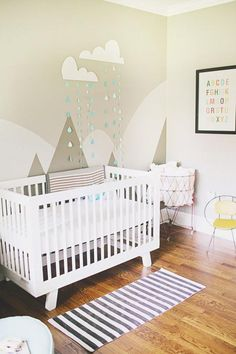 6 Can't-Miss Mountain Murals for the Nursery: Neutral Mountain Mural