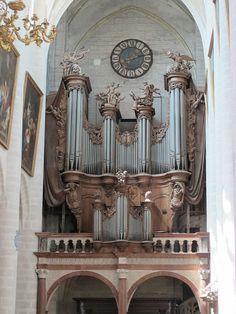 Tribune Renaissance (1572) et Orgue (1754) - Collégiale Notre-Dame, Dole, France