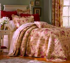 Tuscany Farmhouse Throw Quilt County Wine Roses