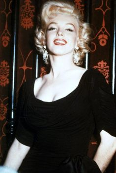 Marilyn Monroe pictures and photos Viejo Hollywood, Old Hollywood, Ava Gardner Frank Sinatra, Photos Rares, The Killers, Becoming An Actress, Janet Leigh, Marilyn Monroe Photos, Actrices Hollywood