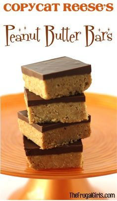 Copycat Reese's Peanut Butter Bars Recipe! {5 Ingredients} No Bake Desserts, Just Desserts, Delicious Desserts, Yummy Food, Dessert Healthy, Reese's Peanut Butter Bars, Peanut Butter Recipes, Baking Recipes, Cookie Recipes
