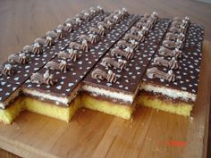 Yummy Treats, Delicious Desserts, Mini Pastries, German Desserts, Food F, Czech Recipes, Oreo Cupcakes, Wedding Desserts, Graham Crackers