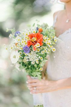 pretty wildflower bouquet with daisies