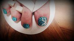 Snowflake nail design #snow #winter #blue #white