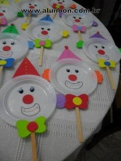150 Atividades para o Dia do Circo - Educação Infantil - Aluno On Kids Crafts, Clown Crafts, Carnival Crafts, Carnival Themes, Preschool Crafts, Easter Crafts, Diy And Crafts, Arts And Crafts, Diy Y Manualidades