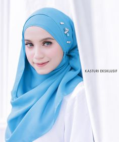 Photoshoot for @kasturieksklusif Model by @adielaridzuan Photographer by @Najarhusshakir Any product photoshoot direct whatsapp to 012-6689596 #photoshoot #muslimah #fashion #photography #butik #malaysia #hijabstyle #muslimahdress # #hijabfashion #hijab #makeup #mua #model #womensfashion #ootd #butikonline #jubah #tudung #hijabfesyen #muslimahwear #muslimahmodel #singapore #indonesia #brunei