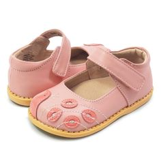 cute Mary Jane shoes for girls with peacock details on tow, in light pink, pair