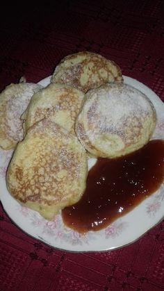 Cseh fánk (Tarkedli) dédimamám bevált receptje alapján Hungarian Recipes, Sweet And Salty, No Bake Cake, Cookie Recipes, Food To Make, Food And Drink, Tasty, Favorite Recipes, Snacks