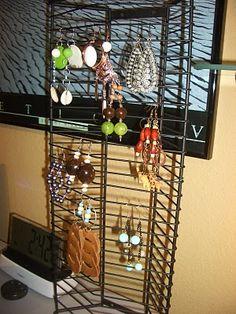 Cd holder to organize earrings!!!
