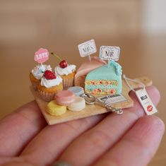 Miniature Pastries Dollhouse ♡ ♡ By Noecoro Miniature Crafts, Miniature Food, Miniature Dolls, Polymer Clay Miniatures, Polymer Clay Charms, Dollhouse Miniatures, Doll Crafts, Cute Crafts, Barbie