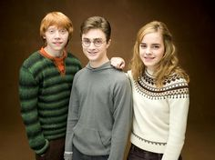 HARRY POTTER AND THE ORDER OF THE PHOENIX, from left: Rupert Grint, Daniel Radcliffe, Emma Watson, 2007. /©Warner Bros.