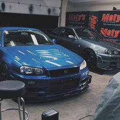 First thing you do when you get home!!!!!!! ___________________________________ #cwcollective #r34 #bnr34family #skyline #gtr #garagesaurus