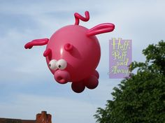 Huff Puff Balloons / Flying Pigs