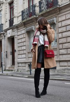 cheap for discount 8afc5 96129 pauline dress blog mode déco lifestyle besancon tenue octobre 2017  cuissardes jupe similicuir blouse blanche manteau camel sac rouge grosse  echarpe rue ...